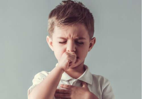 아동기 틱증의 특성 및 치료