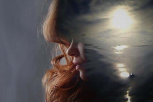 섬피질: 고통스러운 경험으로부터 배우는 것