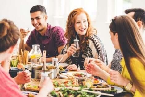 채식주의자의 생활에서 어떤 다른 요소들이 작용하는가?