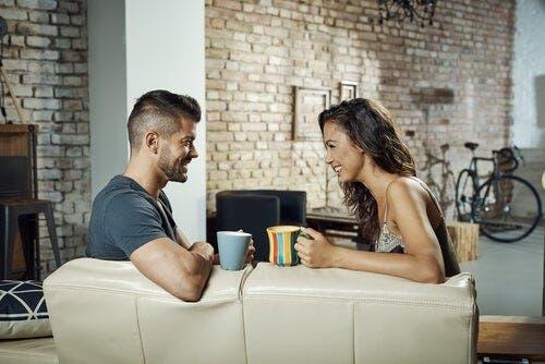적극적인 의사소통: 부부 사이를 개선하는 방법