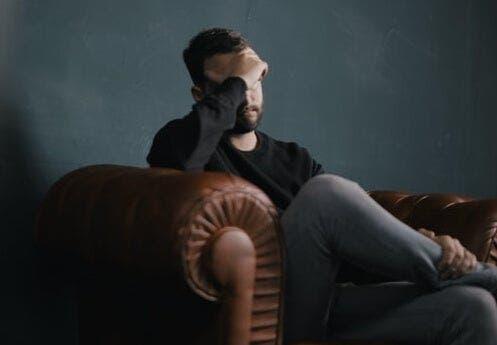 병리학적 걱정: 증상 및 치료