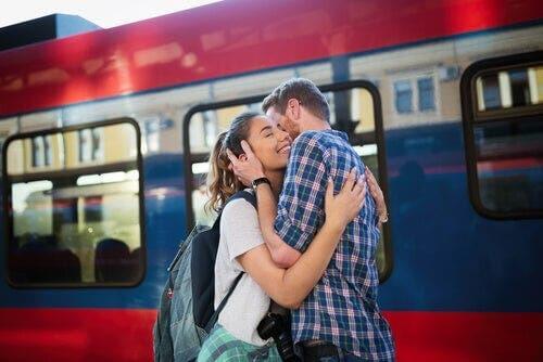장거리 연애는 점점 더 일반화되어가고 있다