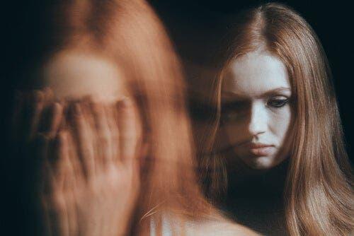 수동적 공격형 친구 - 그들은 당신을 통제하고 당신 삶의 세세한 부분까지 간섭하길 원한다.