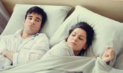 화를 내거나 걱정하면서 잠자리에 드는 습관