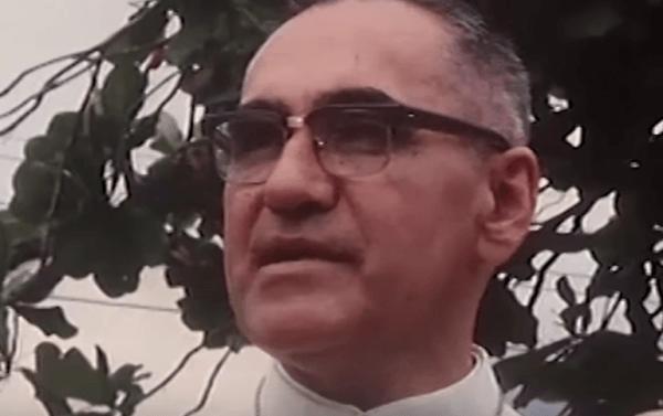 아르눌포 로메로 대주교: 현대 성인의 전기