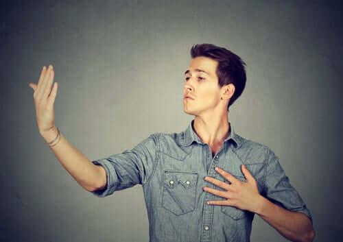 자기애성 인격 장애는 선천성일까? 후천성일까?