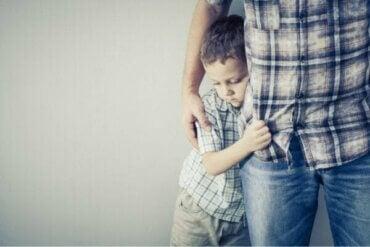 자녀가 두려워할 때 어떻게 행동해야 할까?