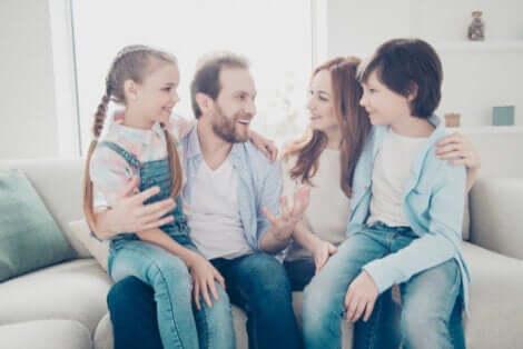 가족의 사랑: 수용, 이해 및 보호