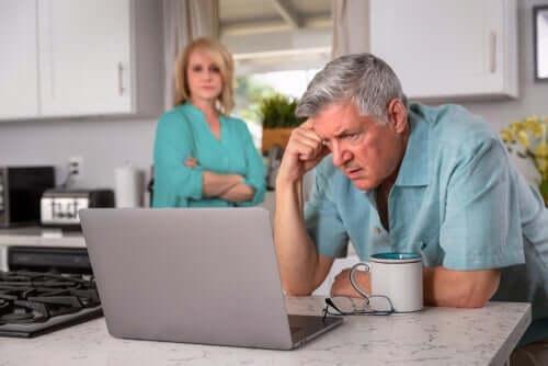 영원한 실업의 심리적 영향