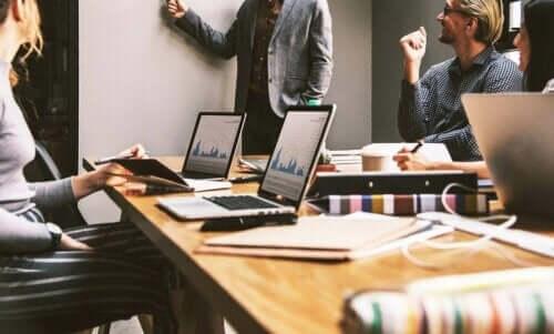 스트로맨 제안은 단순한 협업 전략이다