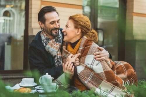 관계에서 친밀감은 호혜에 관한 것이다