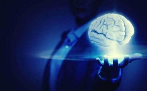염력은 사이비 과학일까 아니면 영적 능력일까?