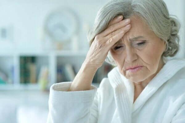 급성 혼란 증후군: 증상, 유형 및 치료