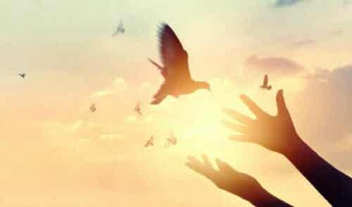 프롬에 따른 용기의 정의: 충만함으로 가는 길