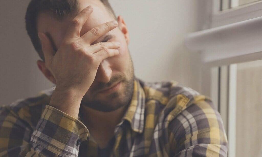 스트레스성 발진과 잡티: 감정 상태로 인한 피부 반응