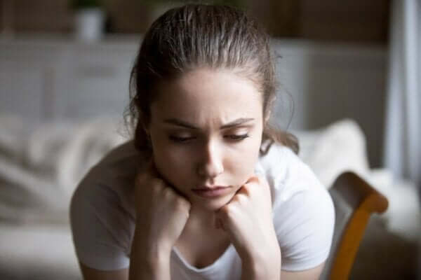 침묵 효과는 무엇이며 우리에게 어떤 영향을 미칠까?