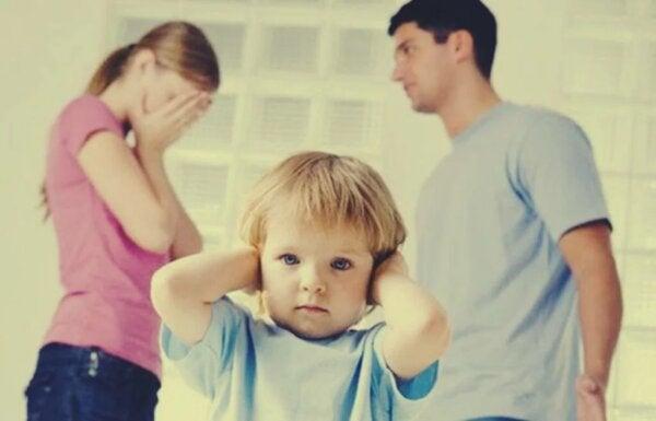 아이들을 위해 이혼하지 않는 부부